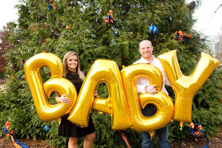 pregnancy announcement balloon