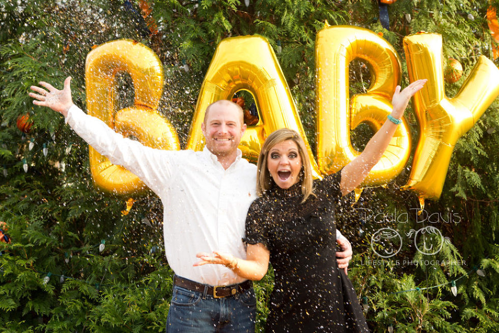 pregnancy announcement with confetti