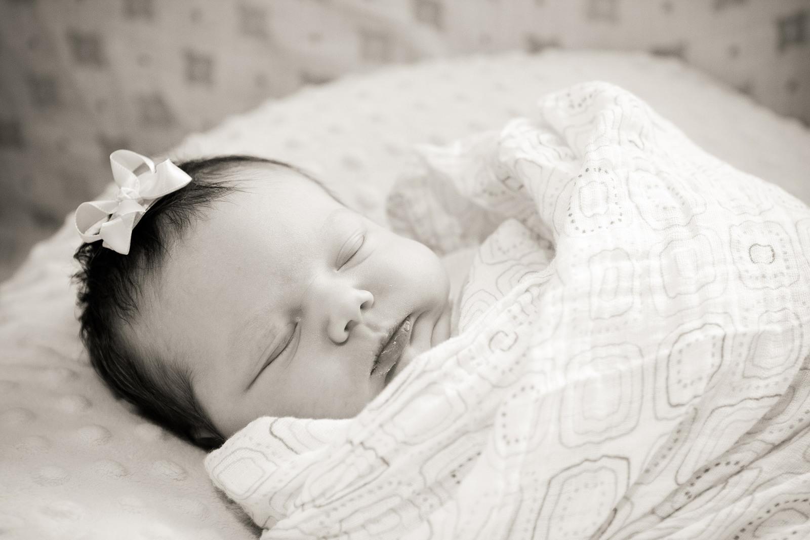 baby swaddled for fresh 48