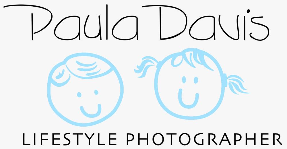 paula davis lifestyle photographer logo